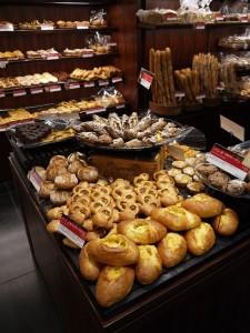 9669 225x300 渋谷ヒカリエにロブションのパン専門店が登場!