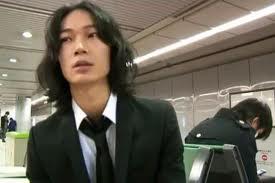 戸田恵梨香と交際の綾野剛!元カノは尾野真千子?画像は?